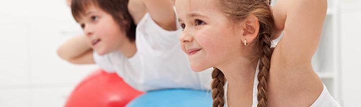 Mensendieck oefentherapie is ook geschikt voor kleine kinderen en snel groeiende pubers. Ook bij Mensendieckpraktijk Van Blooijs in Bennekom